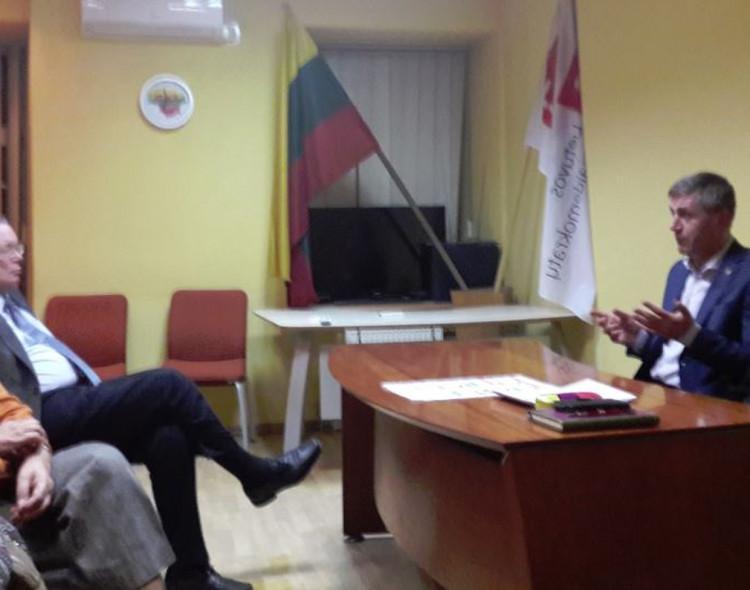 """""""Švitrigailos"""" grupė susitiko su LSDP Trakų skyriaus pirmininku Kęstučiu Vilkausku"""
