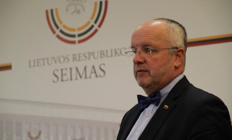 """J. Olekas: """"Valstiečiai"""" iškrausto Seimo biblioteką"""