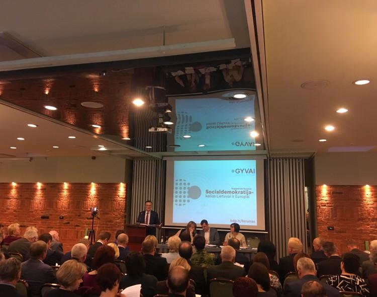 Socialdemokratai priėmė rezoliuciją dėl Lietuvos gynybos