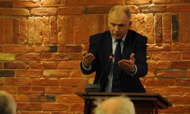 V. Andriukaitis: gana apvaginėti Lietuvos žmones