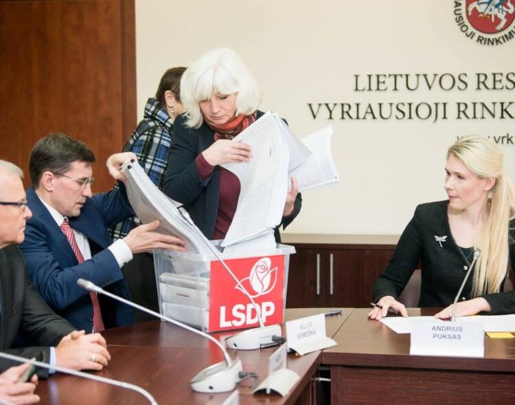 Už V. Andriukaičio kandidatūrą pasirašė beveik 30 tūkst. Lietuvos gyventojų.