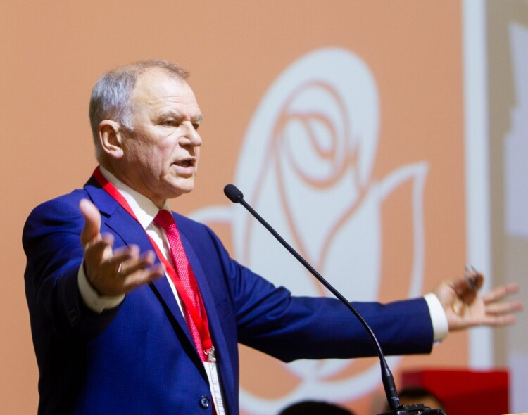 """V. Andriukaitis: """"Valstietis"""" R. Karbauskis labai išsigando – reikia jam padėti"""
