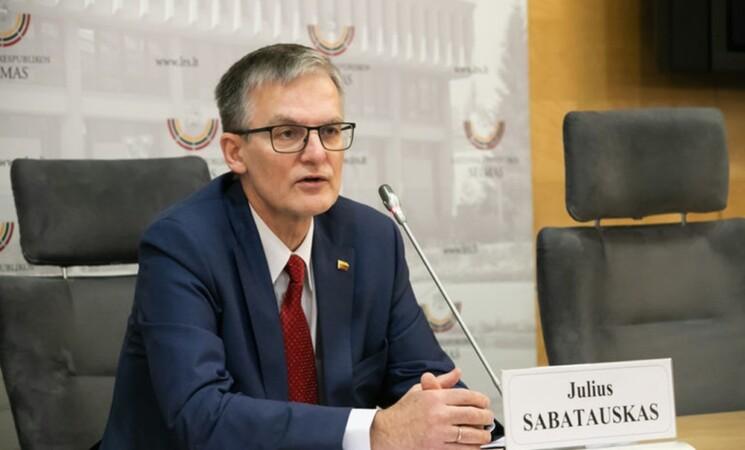 Seimas nusprendė svarstyti socialdemokratų pataisą dėl vaikų skiepijimo