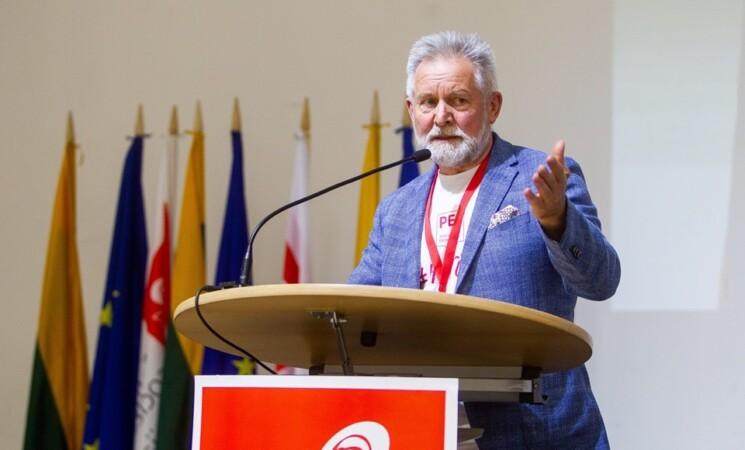 A.Sysas.Vėl Seimas veliasi į visuomenės kiršinimą dėl šeimos sąvokos