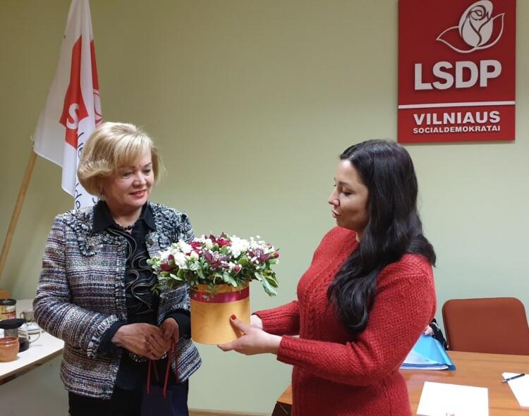 Vitalijai Kliukienei suteiktas Vilniaus miesto skyriaus moterų klubo Garbės pirmininkės vardas