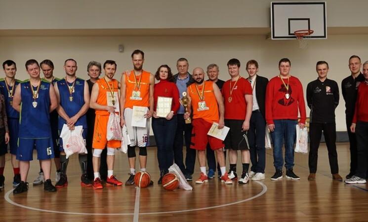 Krepšinis sujungė mokytojus ir Vilniaus socialdemokratus